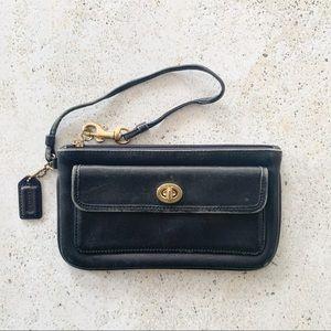 🌾 VINTAGE COACH Turnlock Wristlet Clutch Bag